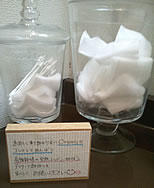 お手洗いの中の綿棒やコットンまでもが、すべてオーガニックコットンで統一されていました。
